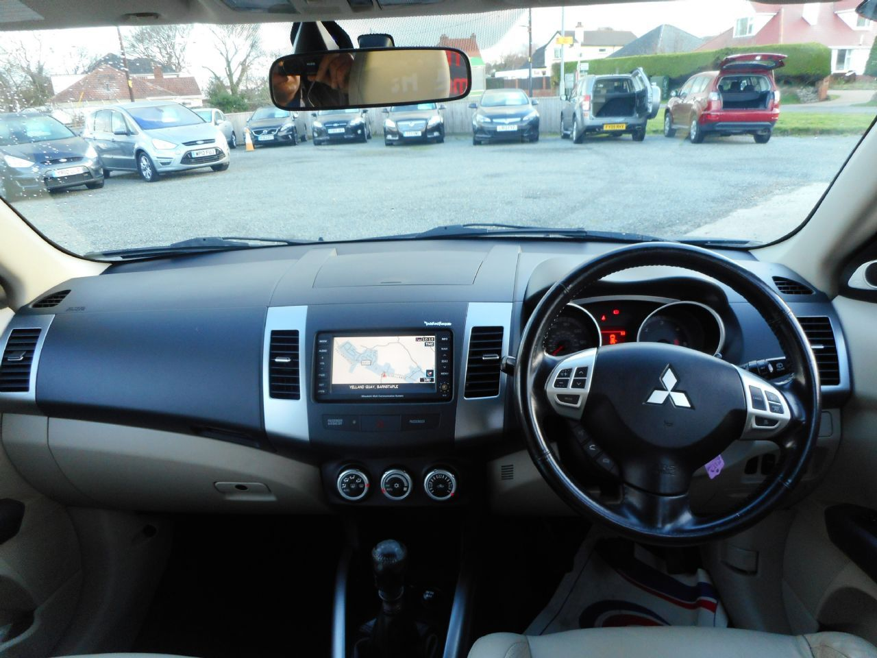 MITSUBISHI OUTLANDER  II DIESEL ESTATE - 2.2 DI-DC DIAMOND 5DR - Picture 3