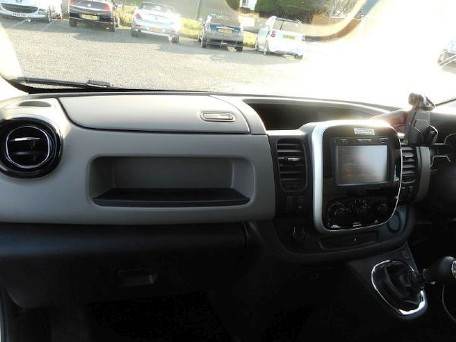 RENAULT TRAFIC LL29 SPORT NAV DCI - Picture 11