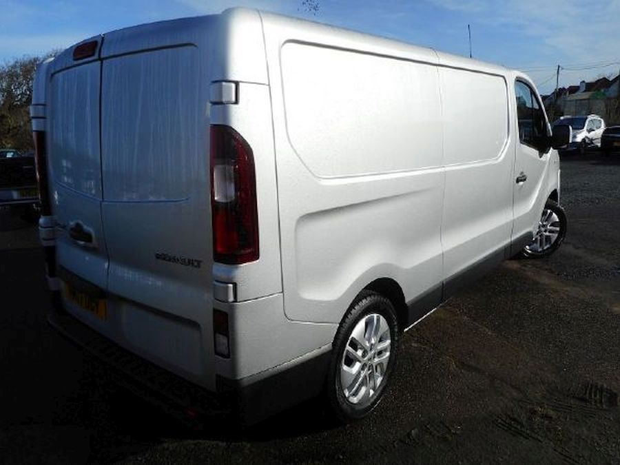 RENAULT TRAFIC LL29 SPORT NAV DCI - Picture 3