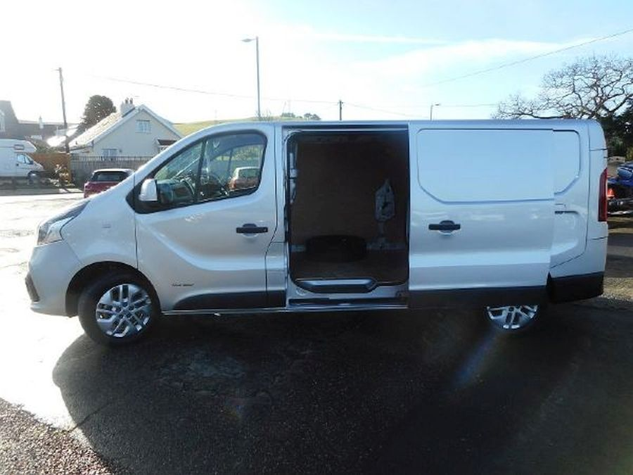 RENAULT TRAFIC LL29 SPORT NAV DCI - Picture 7