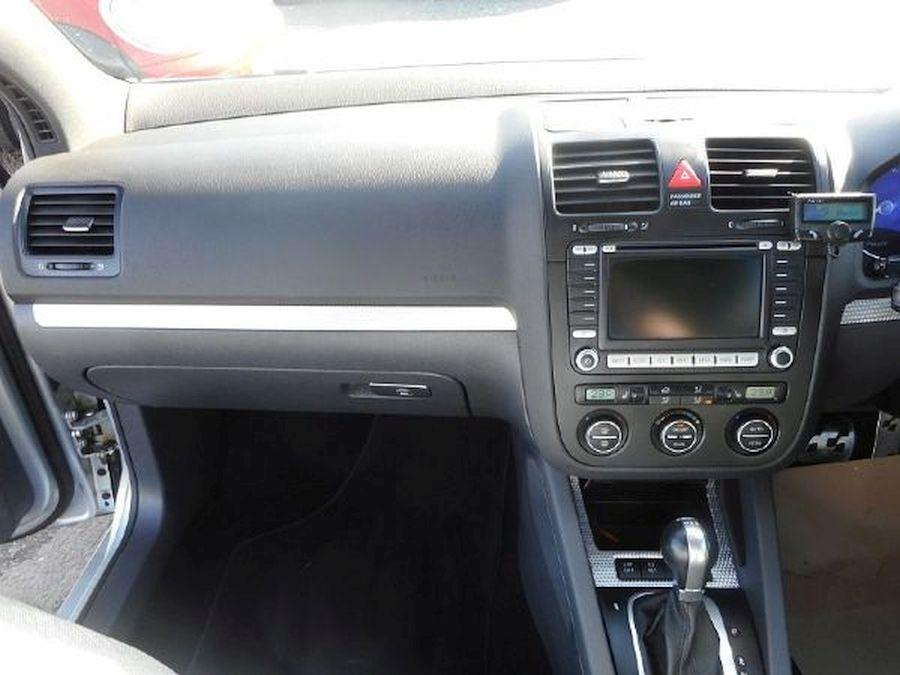 VOLKSWAGEN GOLF R32 S-A 3.2 Litre 5 DOOR HATCHBACK - Picture 10