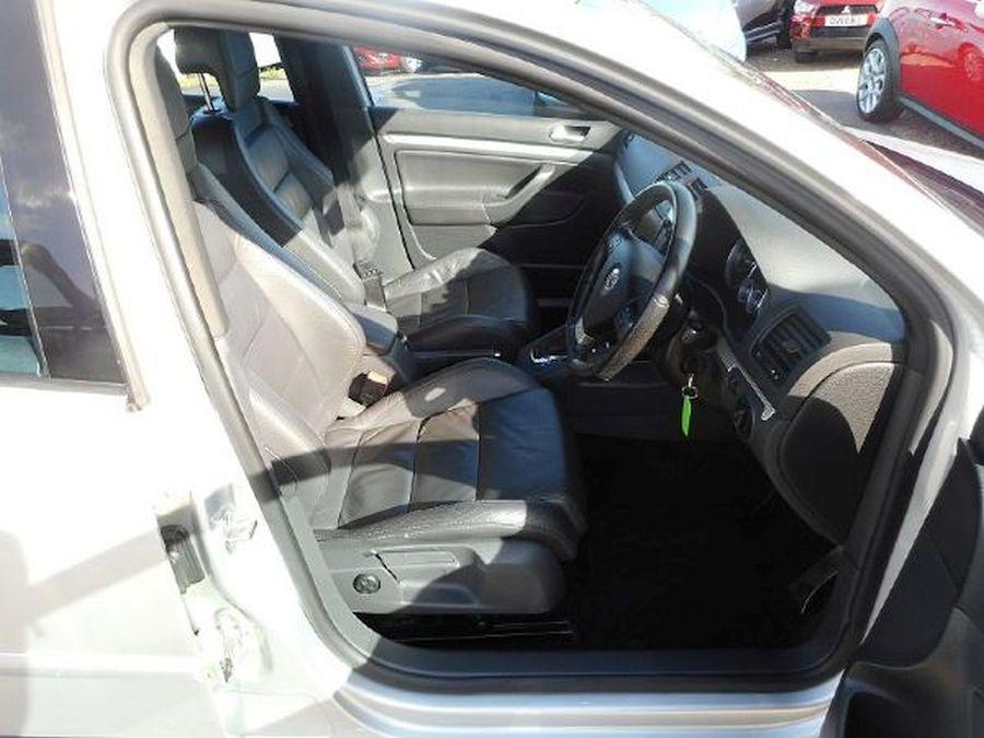 VOLKSWAGEN GOLF R32 S-A 3.2 Litre 5 DOOR HATCHBACK - Picture 11