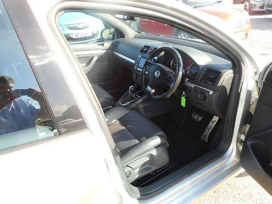 VOLKSWAGEN GOLF R32 S-A 3.2 Litre 5 DOOR HATCHBACK - Picture 12
