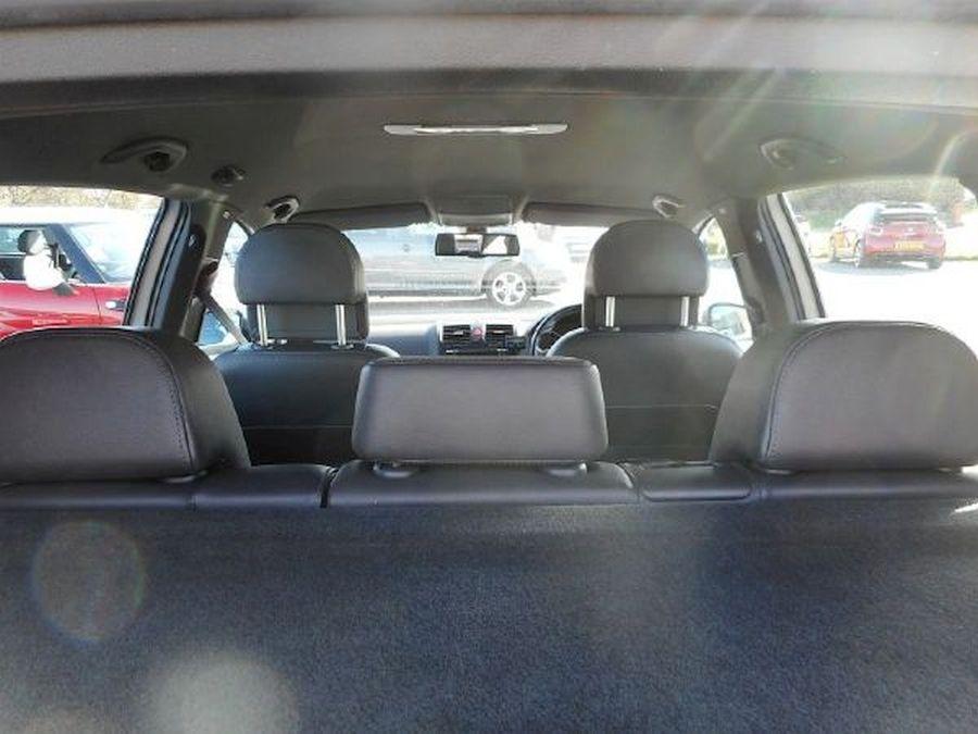 VOLKSWAGEN GOLF R32 S-A 3.2 Litre 5 DOOR HATCHBACK - Picture 17