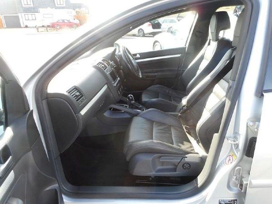 VOLKSWAGEN GOLF R32 S-A 3.2 Litre 5 DOOR HATCHBACK - Picture 8