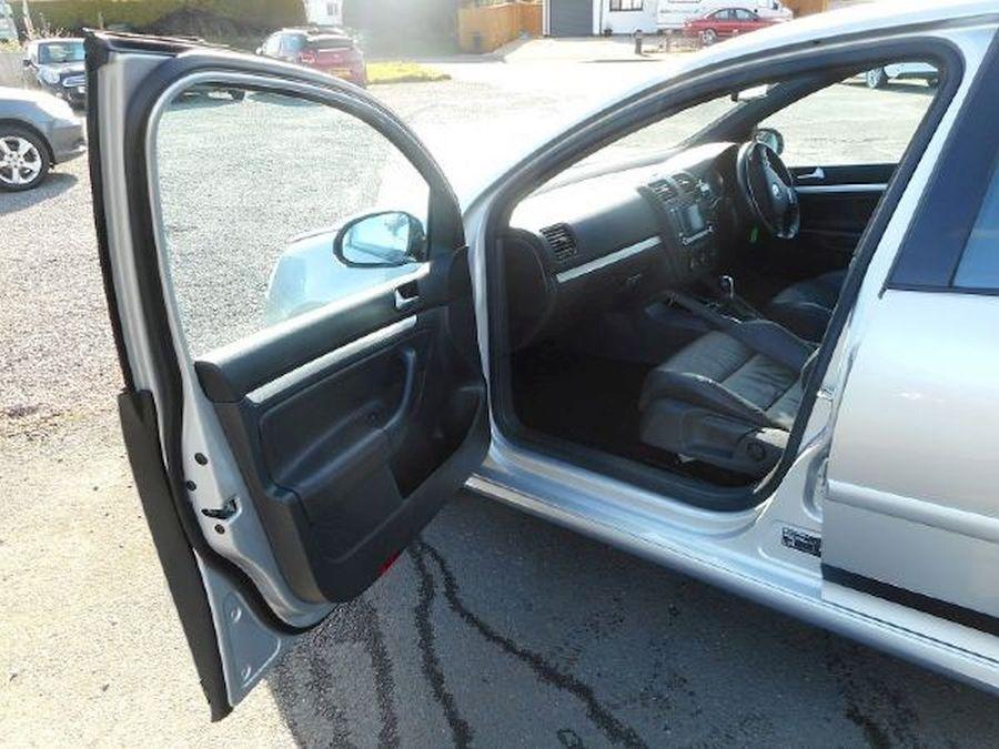 VOLKSWAGEN GOLF R32 S-A 3.2 Litre 5 DOOR HATCHBACK - Picture 9