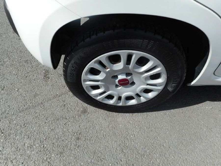 FIAT PANDA EASY 1.2 Litre (2013) - Picture 4