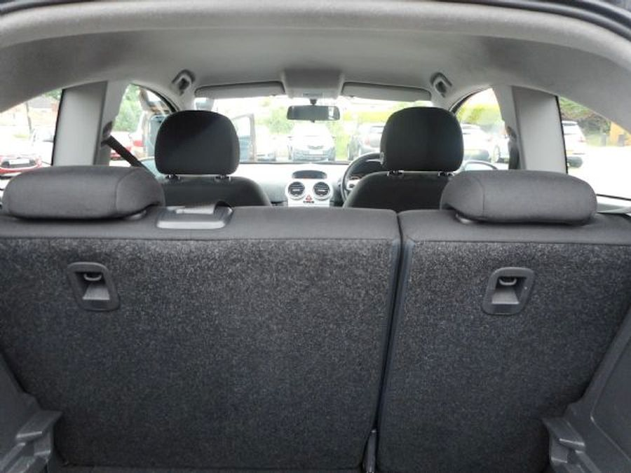 VAUXHALL CORSA 1.4 litre  CLUB AC 16V AUTO (2009) - Picture 15