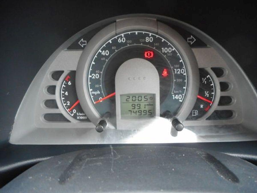 VOLKSWAGEN 1.2 litre FOX 55 (2010) - Picture 10