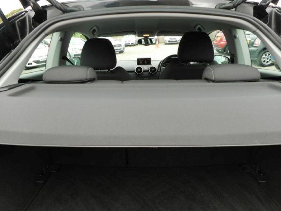 AUDI A1 SPORT TFSI 1.4 Litre (2011) - Picture 12