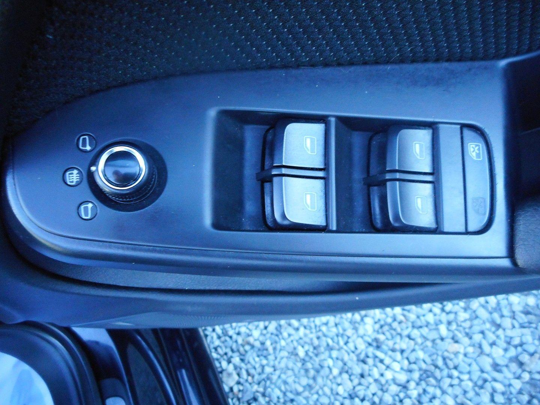 AUDI 2 LITRE A4 S LINE BLACK EDIT TDI QUAT - Picture 10