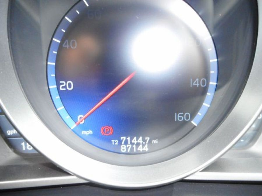 VOLVO V40 R-DESIGN D2  1.6 LITRE (2013) - Picture 17