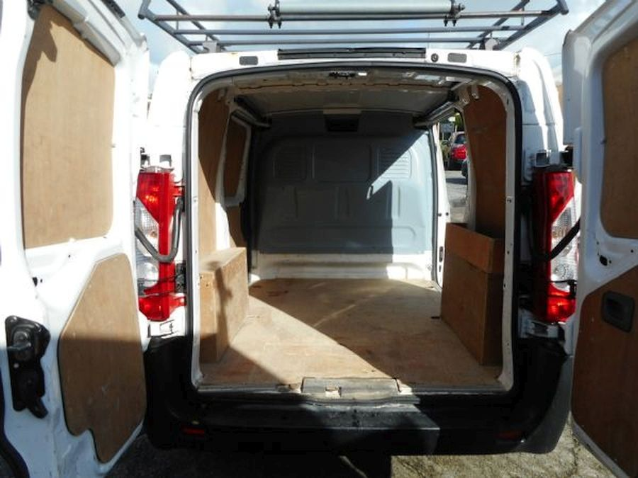 PEUGEOT EXPERT PROFESSIONAL HDI 2 LITRE (2011) - Picture 11