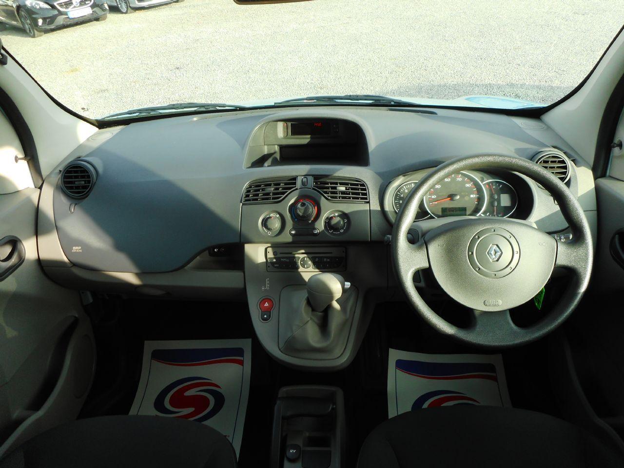 RENAULT KANGOO Extreme 1.6 16v Auto (2011) - Picture 3