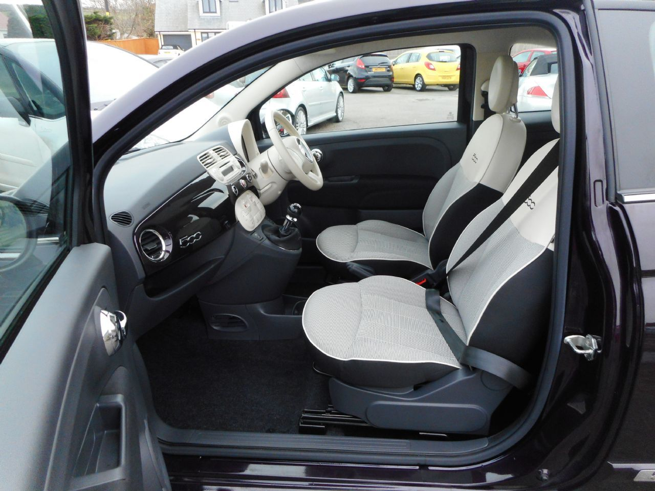 FIAT 500 1.2i Lounge S/S (2015) - Picture 4