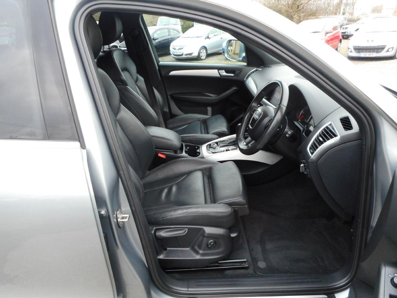 AUDI Q5 3.0 TDI quattro S line 240PS (2012) - Picture 11
