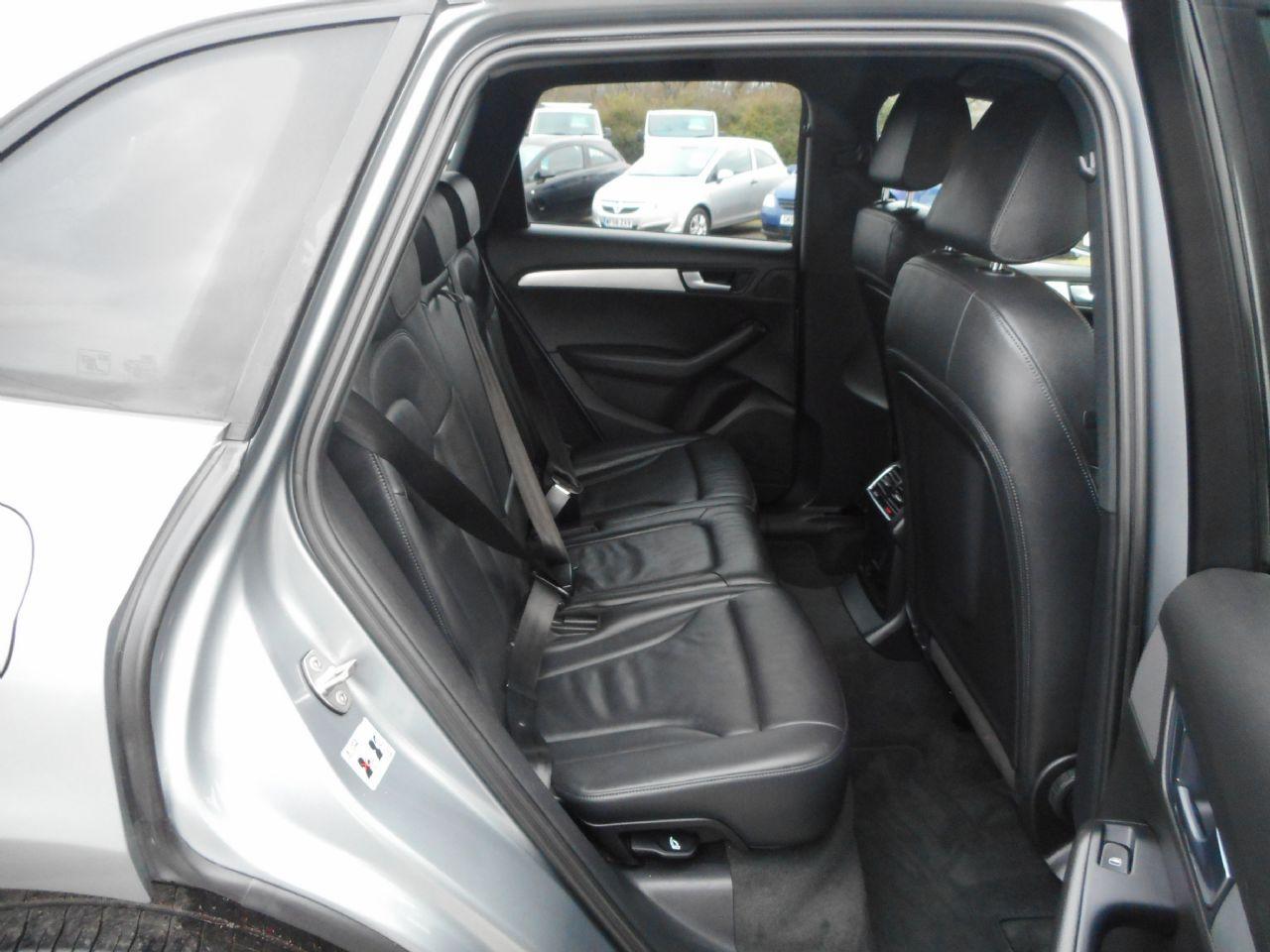 AUDI Q5 3.0 TDI quattro S line 240PS (2012) - Picture 5