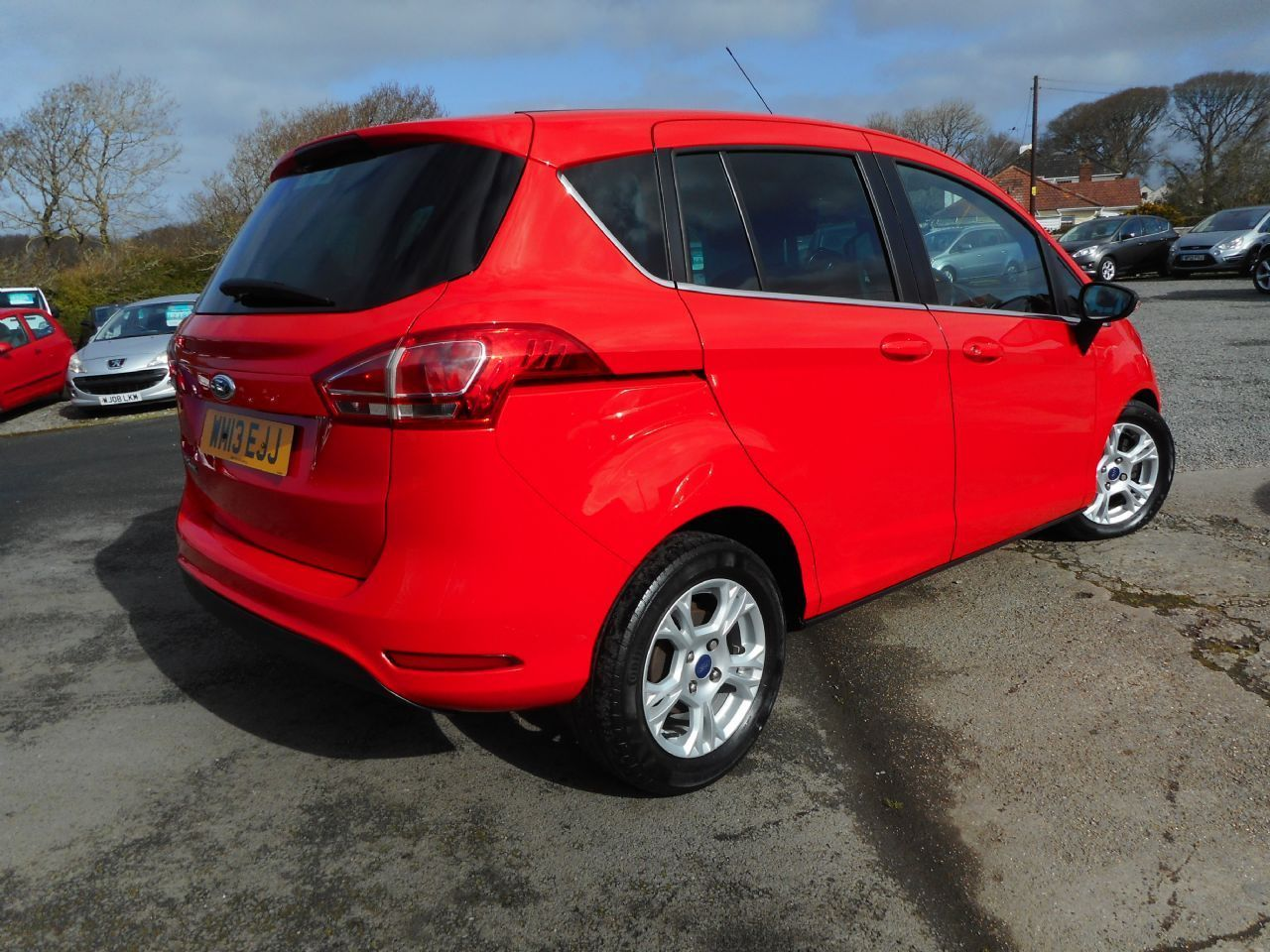 FORD B-MAX 1.4 90PS Zetec (2013) - Picture 3