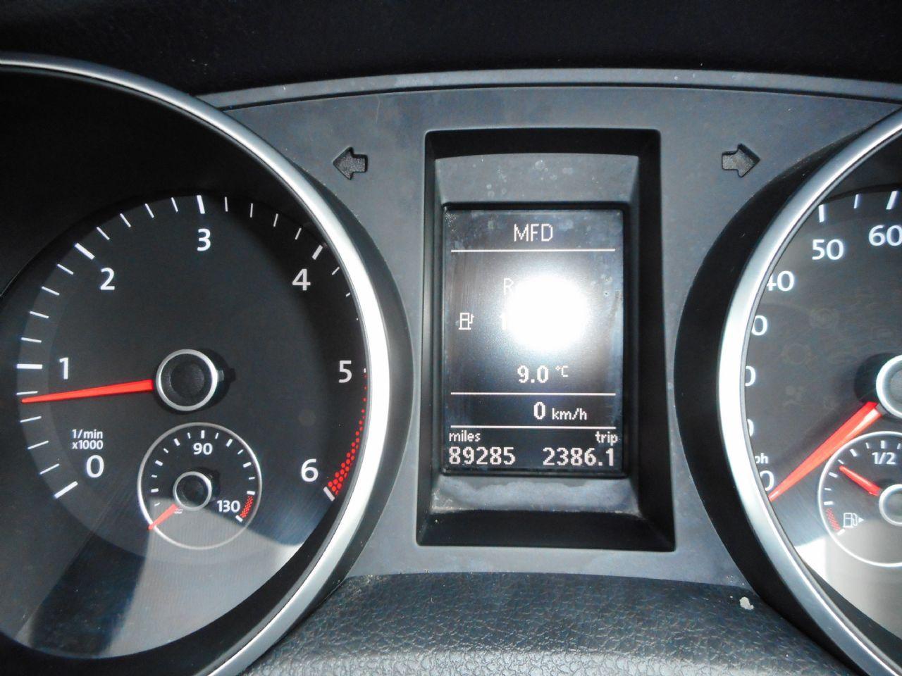 VOLKSWAGEN GOLF SE 1.6 TDI 105PS BlueMotion Tech (2011) - Picture 12