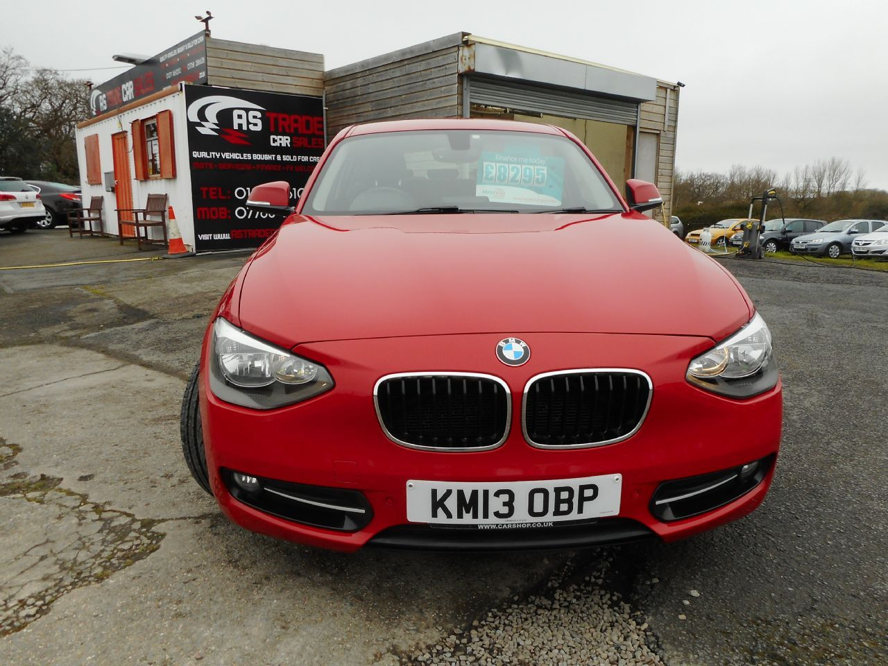 BMW SERIES 1 114d Sport (2013) - Picture 2