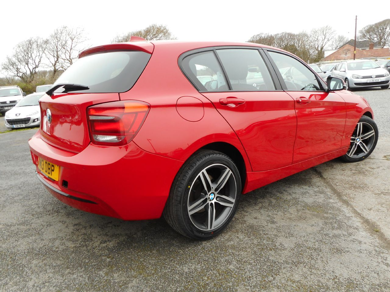 BMW SERIES 1 114d Sport - Picture 3