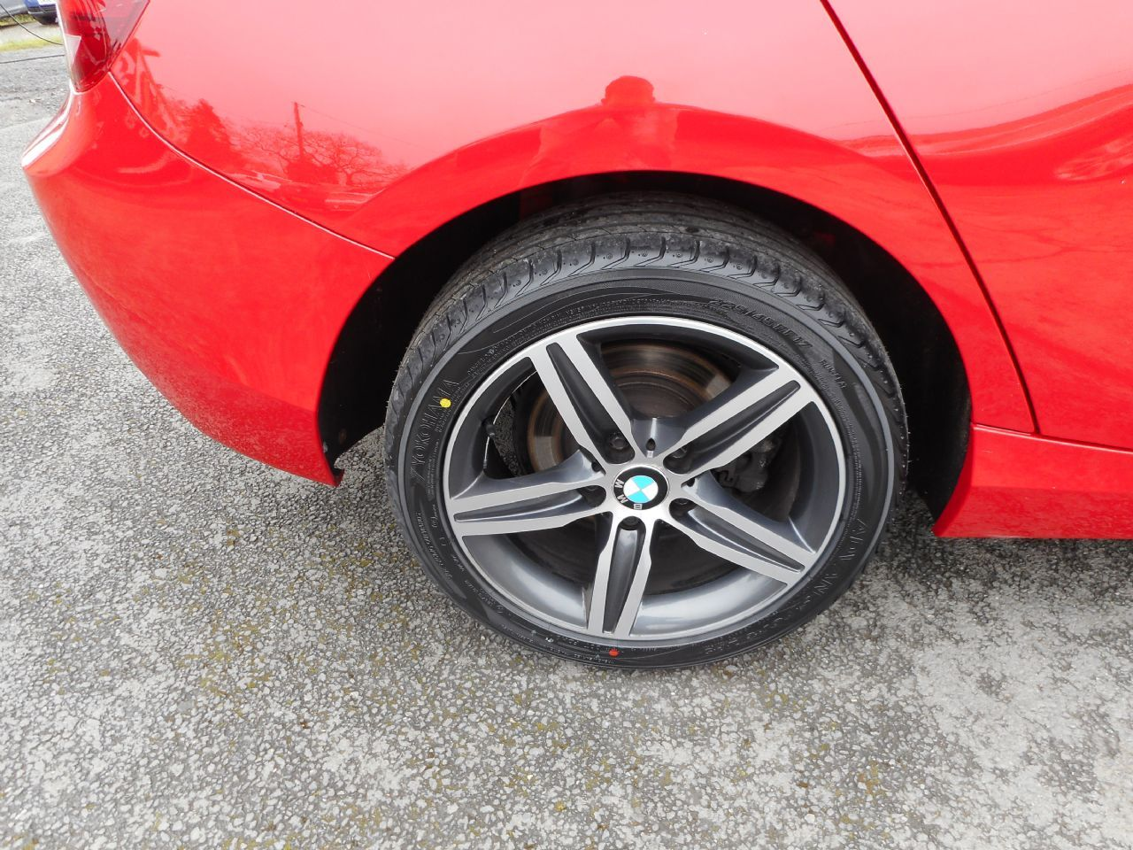 BMW SERIES 1 114d Sport (2013) - Picture 4