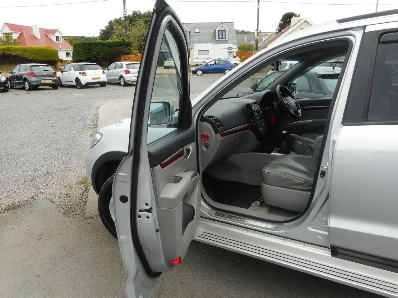 HYUNDAI Santa Fe 2.2 CRTD CDX 5 Seat EU4 (2008) - Picture 12