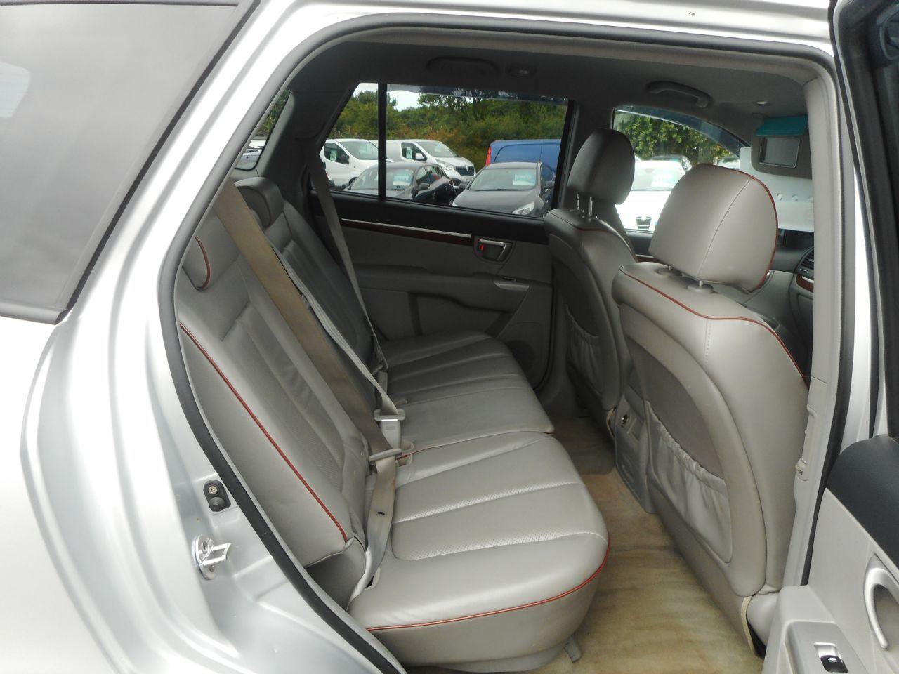 HYUNDAI Santa Fe 2.2 CRTD CDX 5 Seat EU4 (2008) - Picture 8