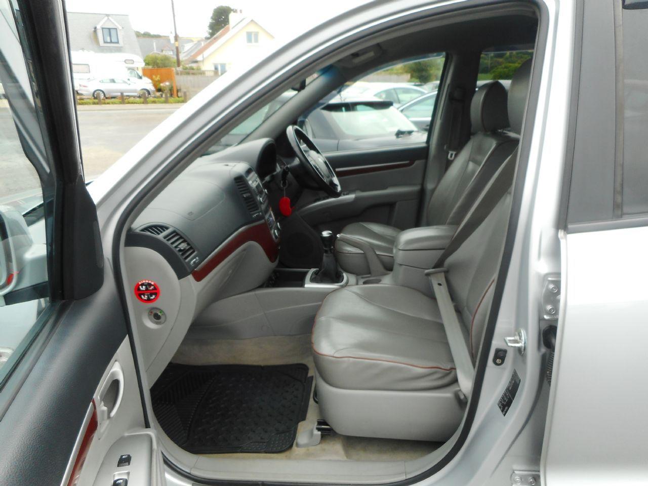 HYUNDAI Santa Fe 2.2 CRTD CDX 5 Seat EU4 (2008) - Picture 9