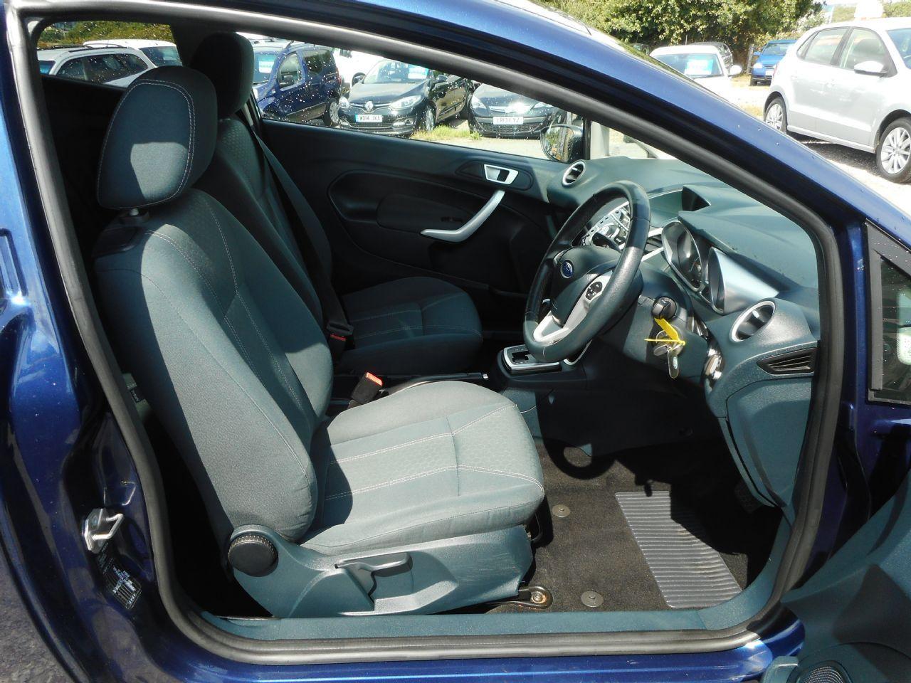 FORD Fiesta Titanium 1.4 096 Auto (2012) - Picture 11