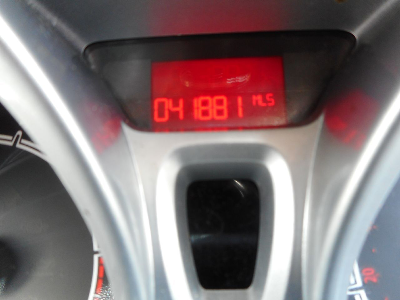 FORD Fiesta Titanium 1.4 096 Auto (2012) - Picture 13