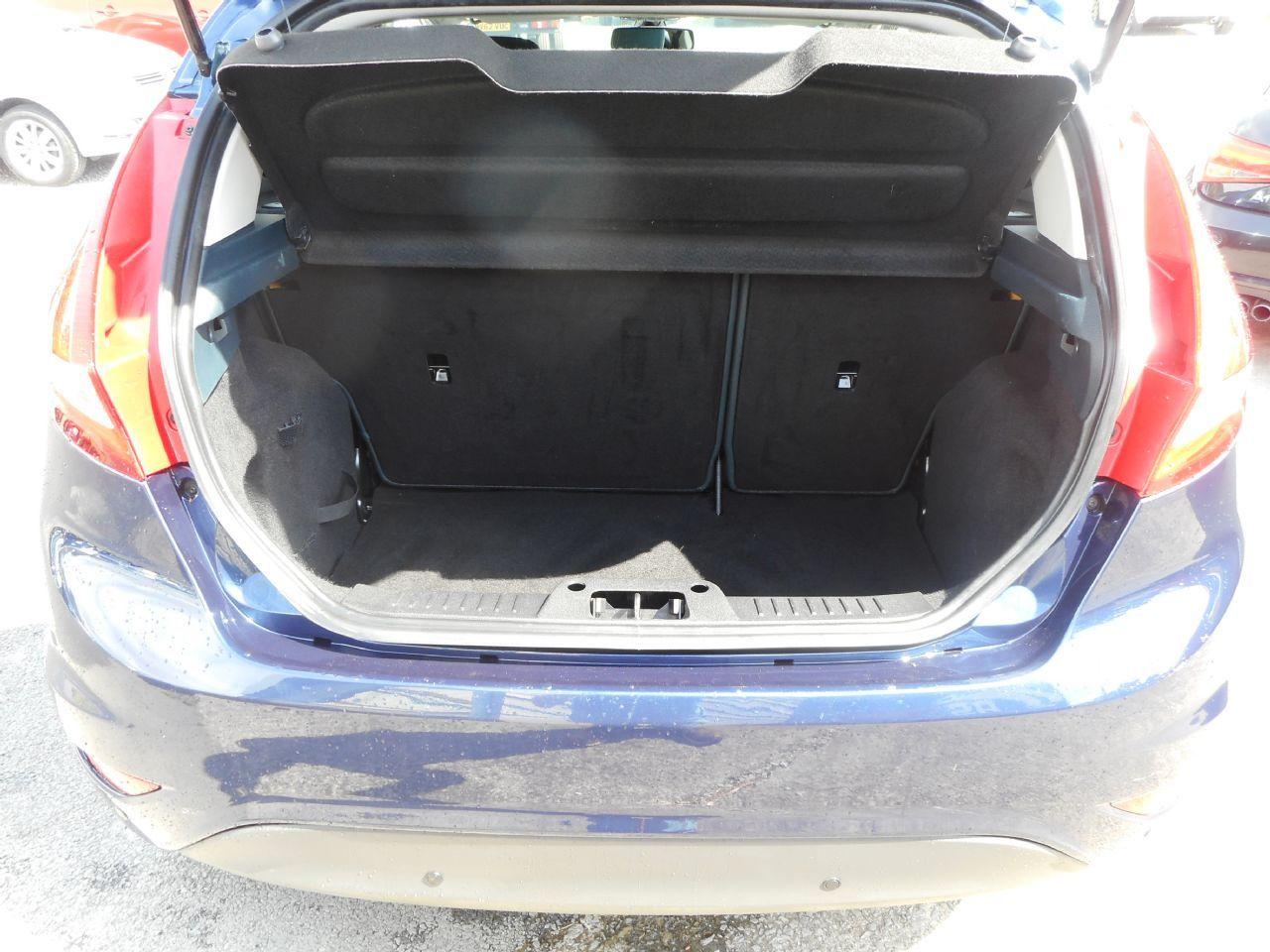 FORD Fiesta Titanium 1.4 096 Auto (2012) - Picture 15