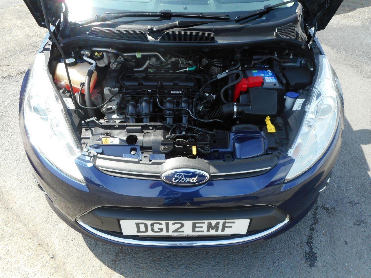 FORD Fiesta Titanium 1.4 096 Auto (2012) - Picture 17