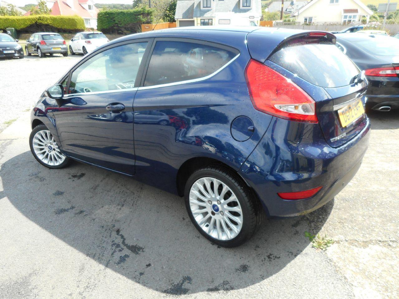 FORD Fiesta Titanium 1.4 096 Auto (2012) - Picture 8
