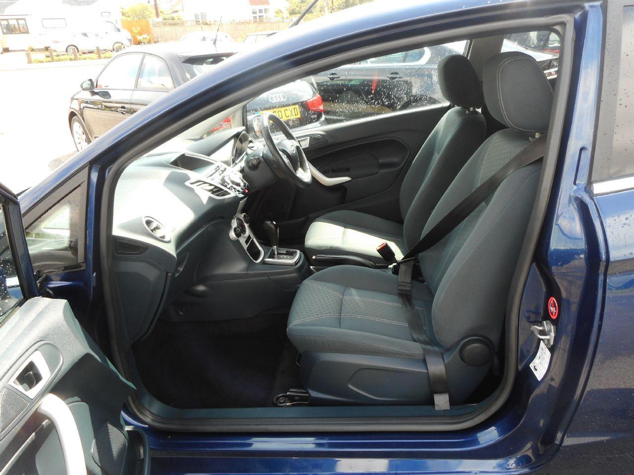 FORD Fiesta Titanium 1.4 096 Auto (2012) - Picture 9