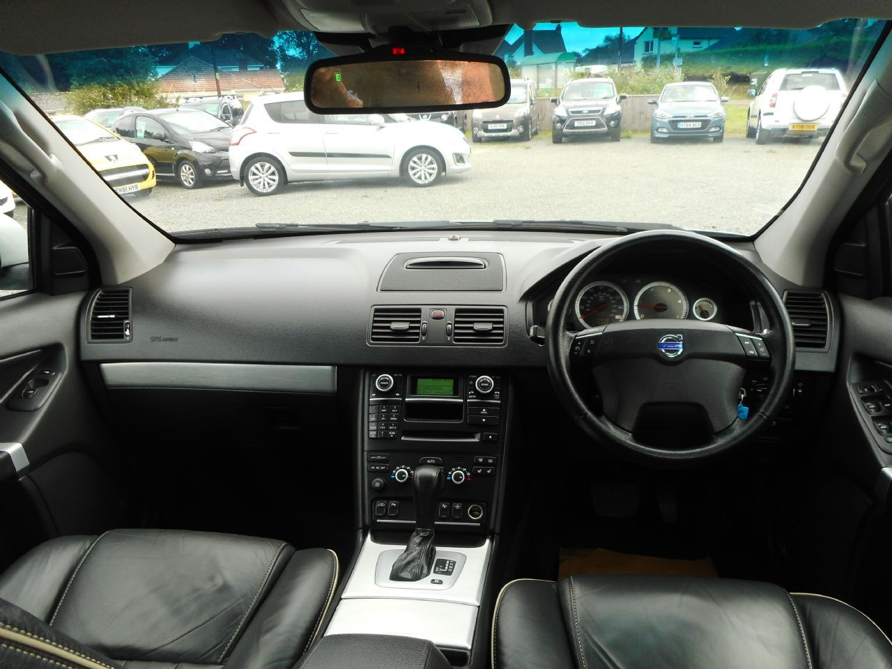 VOLVO XC90 D5 AWD (200 bhp) SE Lux Geartronic (2011) - Picture 13