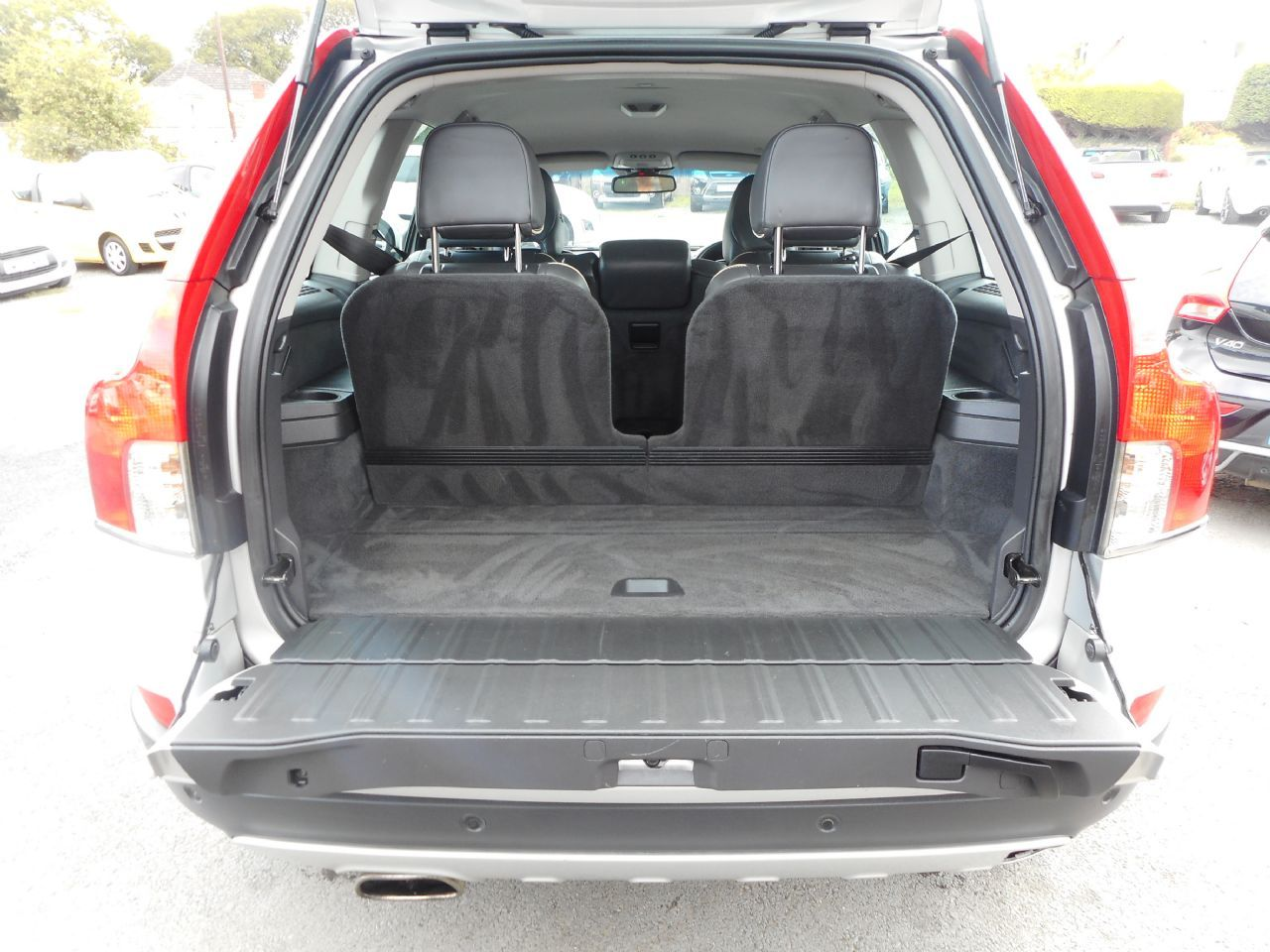 VOLVO XC90 D5 AWD (200 bhp) SE Lux Geartronic (2011) - Picture 15