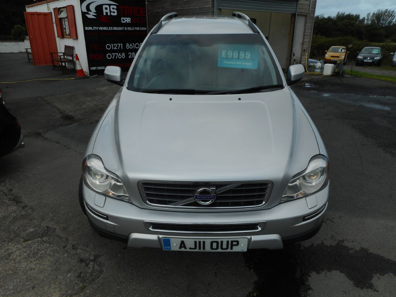 VOLVO XC90 D5 AWD (200 bhp) SE Lux Geartronic (2011) - Picture 2