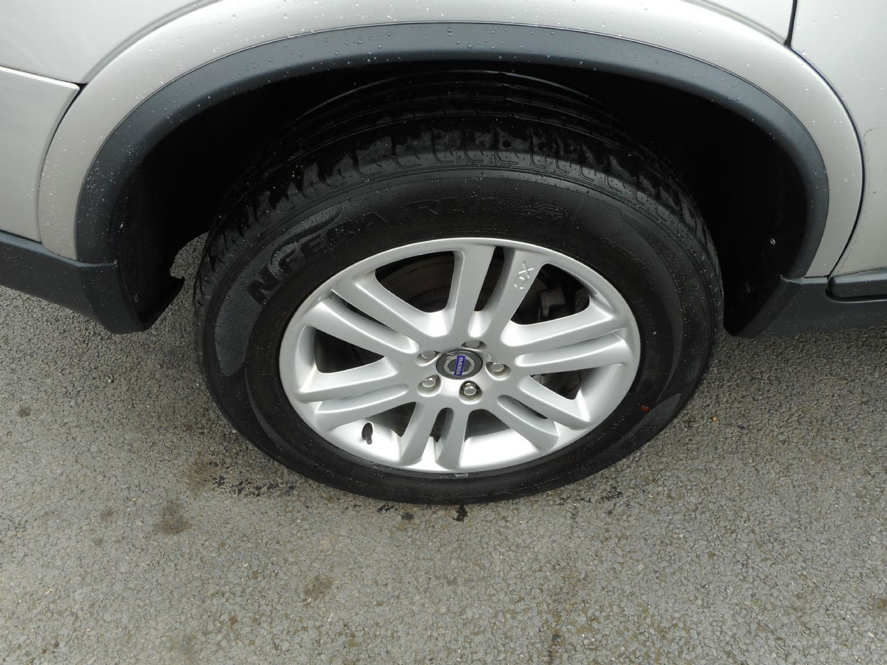 VOLVO XC90 D5 AWD (200 bhp) SE Lux Geartronic (2011) - Picture 6