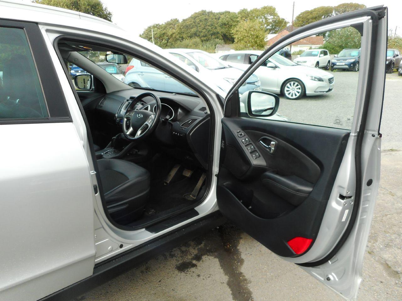 HYUNDAI IX35 2.0 CRDi 4WD Premium Auto (2011) - Picture 10