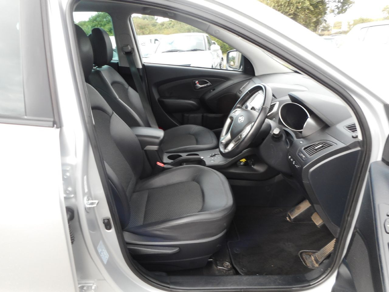 HYUNDAI IX35 2.0 CRDi 4WD Premium Auto (2011) - Picture 11