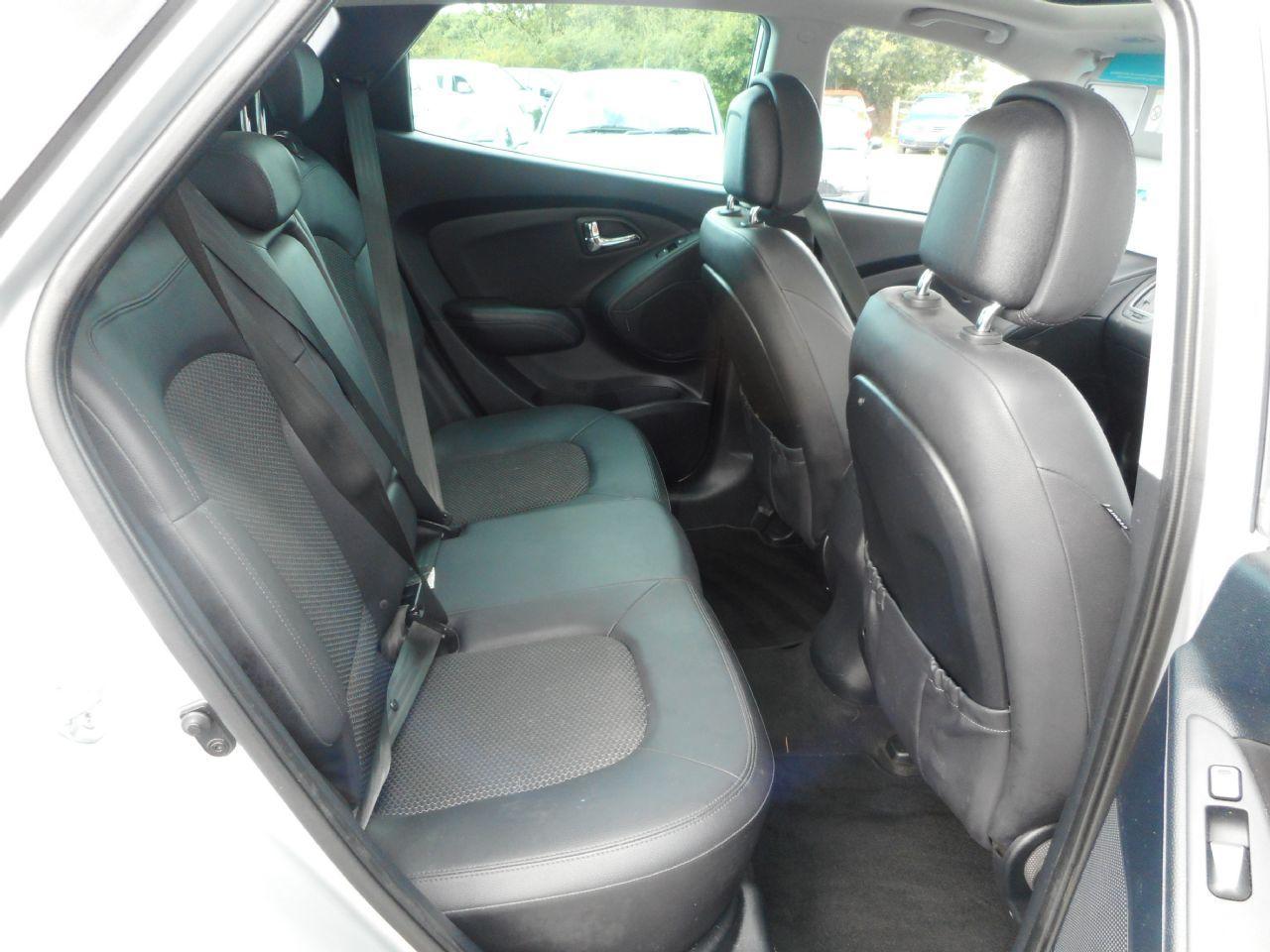 HYUNDAI IX35 2.0 CRDi 4WD Premium Auto (2011) - Picture 7