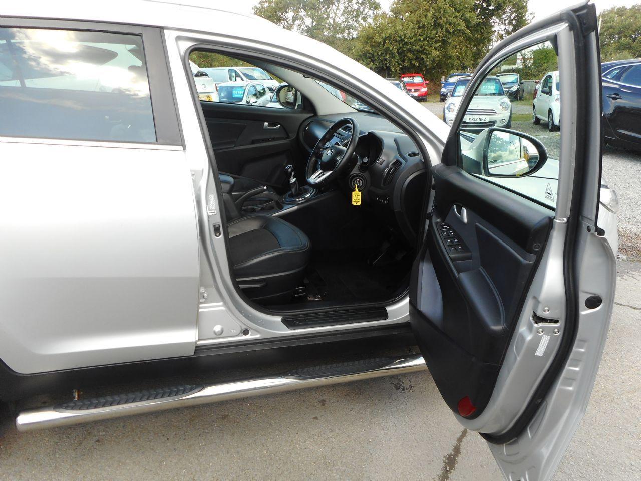 KIA Sportage 1.7 CRDi 2 2WD (2012) - Picture 10