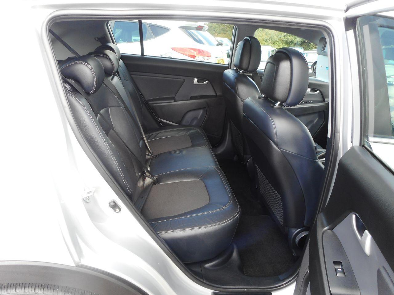 KIA Sportage 1.7 CRDi 2 2WD (2012) - Picture 7