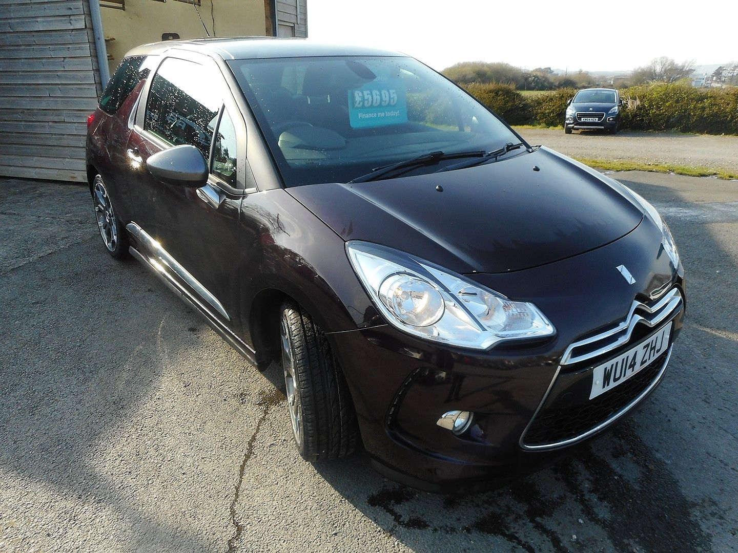 CITROEN DS3 VTi 120 DStyle (2014) - Picture 3