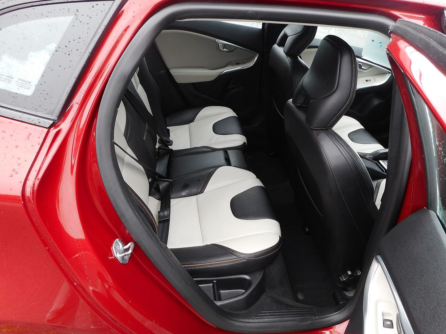 VOLVO V40 D2 (115hp) Start/Stop Cross Country Lux (2014) - Picture 7