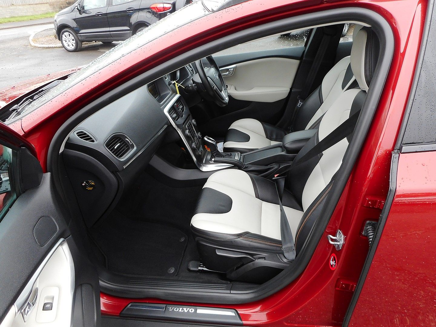 VOLVO V40 D2 (115hp) Start/Stop Cross Country Lux (2014) - Picture 9