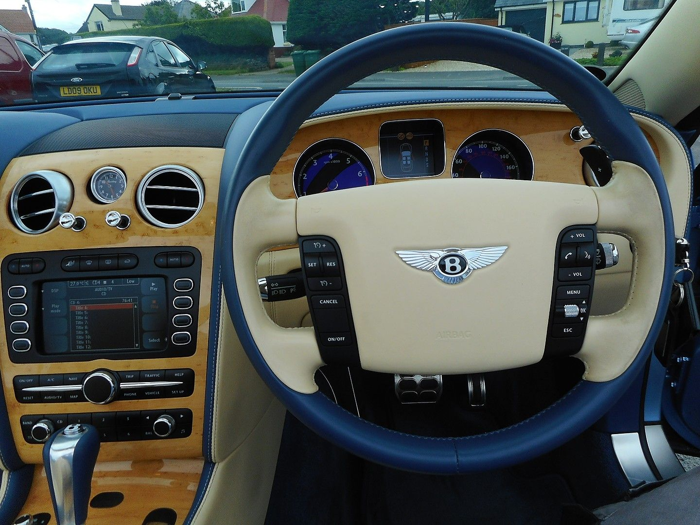 BENTLEY Continental GTC (2007) - Picture 17