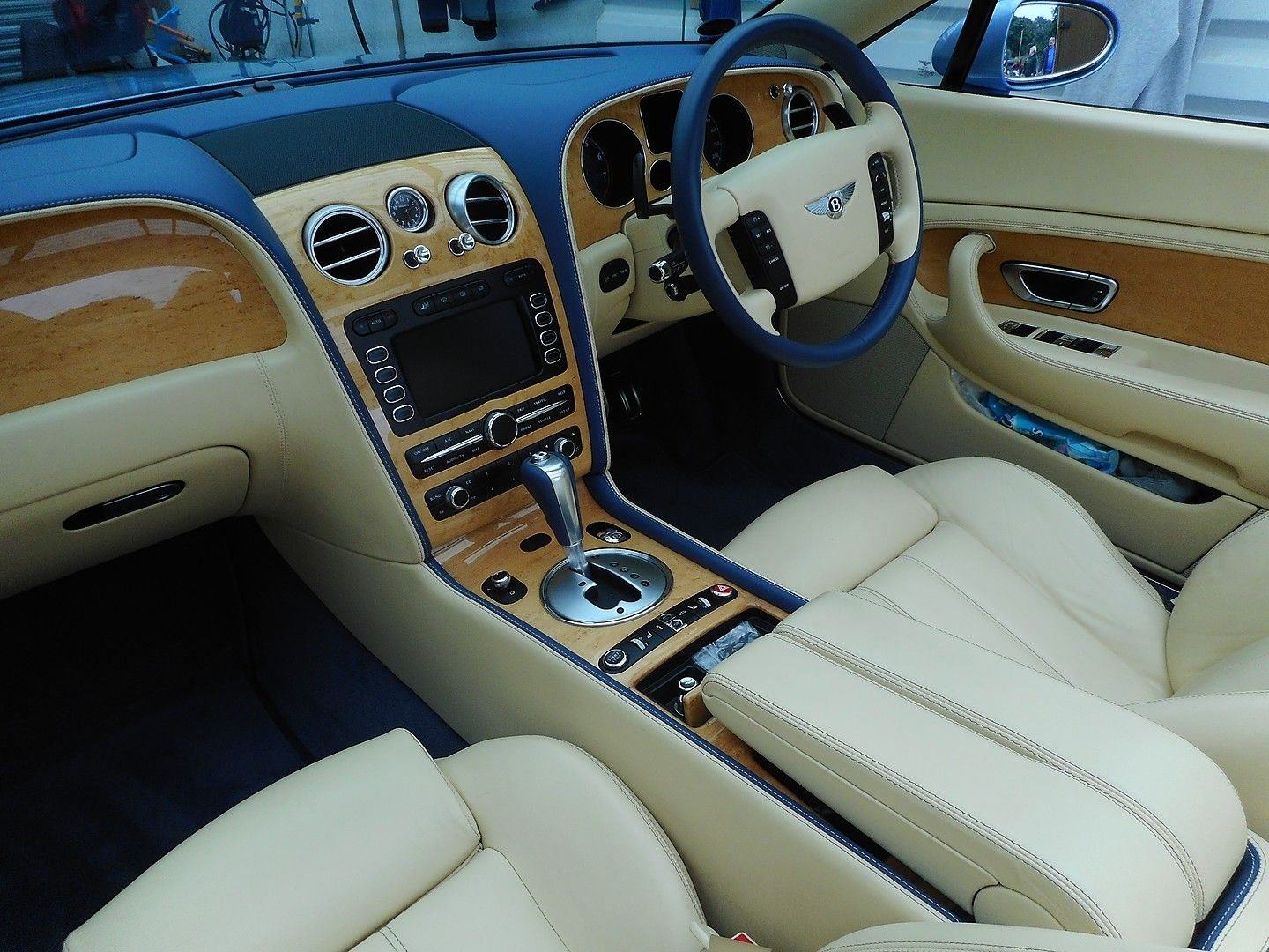 BENTLEY Continental GTC (2007) - Picture 22