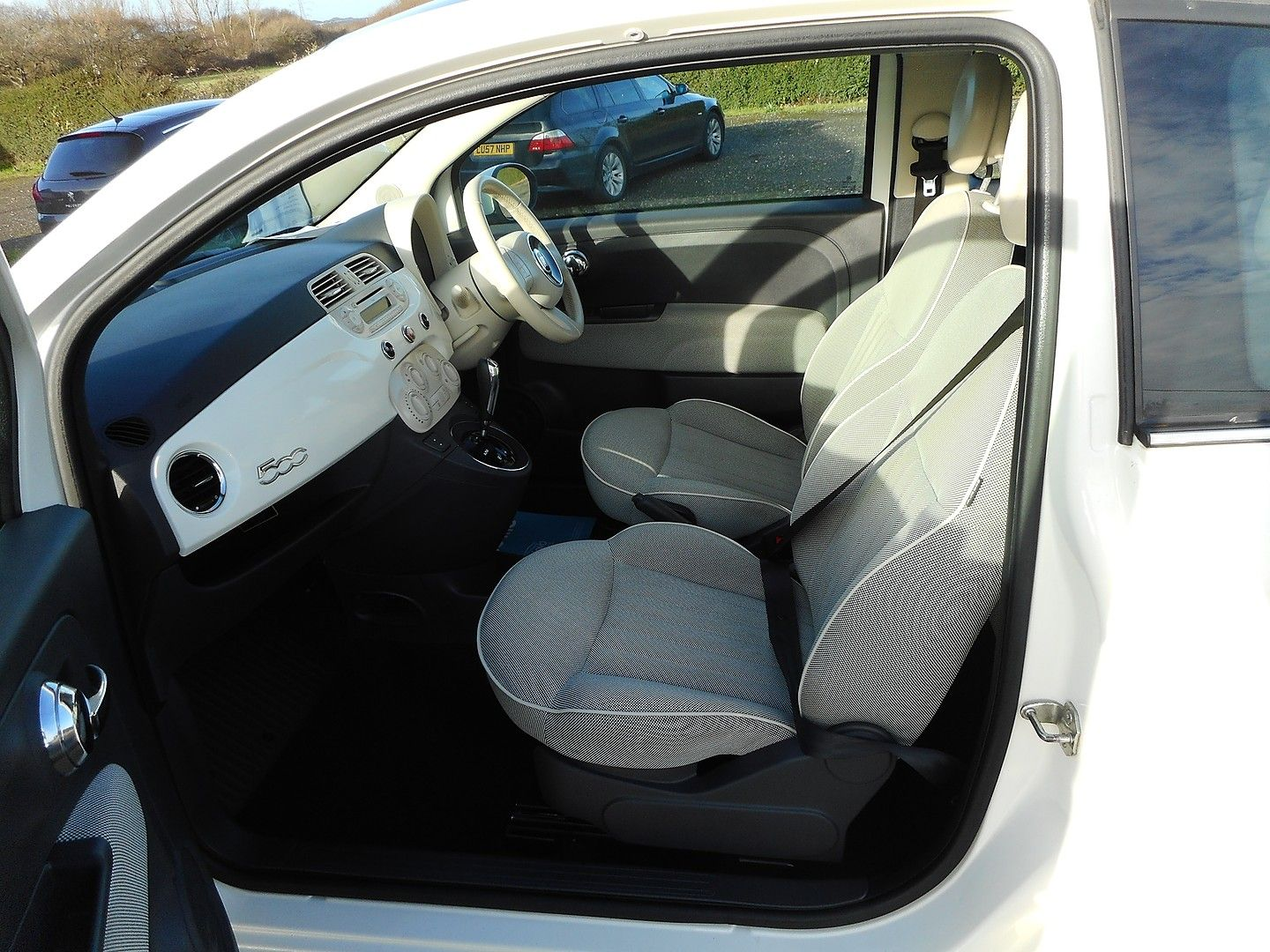 FIAT 500 1.2i Lounge S/S automatic (2013) - Picture 14